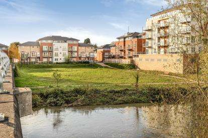 2 Bedrooms Flat for sale in Trent Place, ., Warwick, Warwickshire