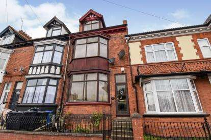 4 Bedrooms Terraced House for sale in East Park Road, Leicester, Leicestershire