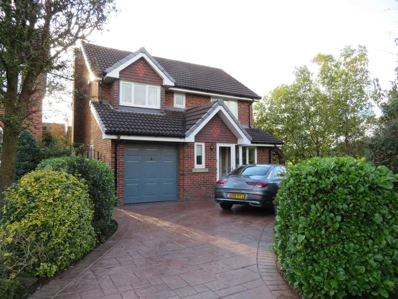 4 Bedrooms Detached House for sale in Heyhill Close, Royton