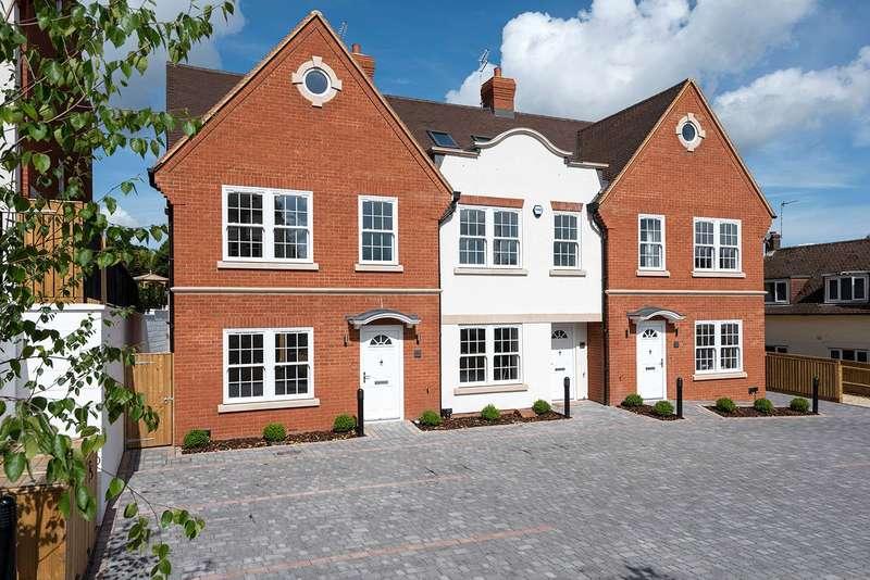 3 Bedrooms House for sale in Kingsway, Chalfont St. Peter, Gerrards Cross, Buckinghamshire, SL9