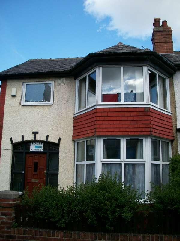 5 Bedrooms Terraced House for rent in Walmsley Road, Hyde Park, Leeds