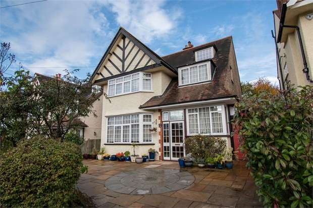 6 Bedrooms Detached House for sale in Purley Downs Road, South Croydon, Surrey