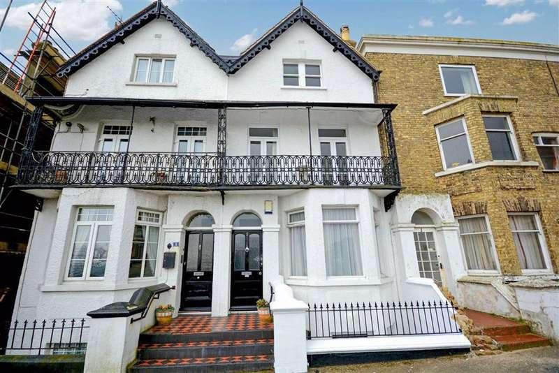4 Bedrooms Terraced House for sale in Queens Gardens, Broadstairs, Kent