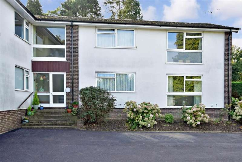 2 Bedrooms Ground Flat for sale in St. Johns Road, , Crowborough, East Sussex
