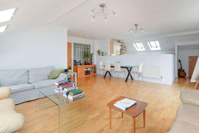 2 Bedrooms Apartment Flat for sale in Holters Mill, The Spires, Canterbury, CT2