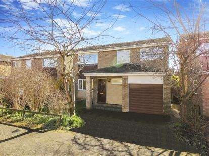 4 Bedrooms Detached House for sale in Dene Road, Wylam, Northumberland, Newcastle Upon Tyne, NE41