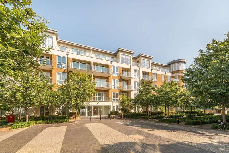 3 Bedrooms Penthouse Flat for sale in Kew Riverside, Kew, TW9