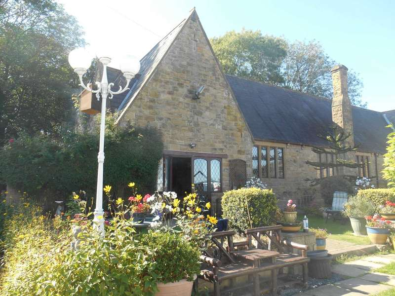3 Bedrooms Detached House for sale in Ascott House, St Peters, Victoria Road, Churwell, Leeds. LS27 9JJ