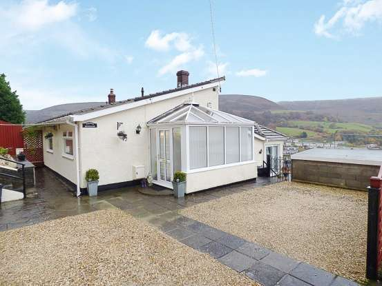 3 Bedrooms Semi Detached Bungalow for sale in Ty Dan Y Wal Road, Abertillery, Monmouthshire, NP13 1RS