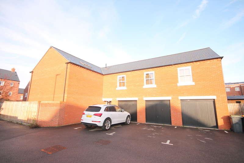 2 Bedrooms Apartment Flat for sale in Hazelwick Drive, Great Denham, Bedford, MK40