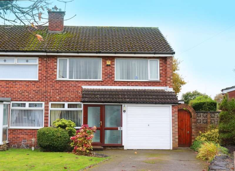 3 Bedrooms Semi Detached House for sale in Eskdale Avenue, Ormskirk, Lancashire, L39