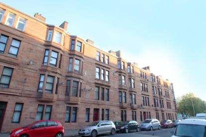 1 Bedroom Flat for sale in Calder Street, Glasgow