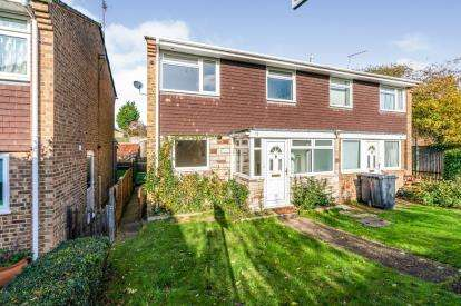 3 Bedrooms Semi Detached House for sale in Romsey, Hampshire, England