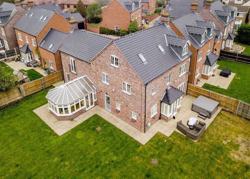 5 Bedrooms Detached House for sale in Hillcrest, Aston-On-Trent