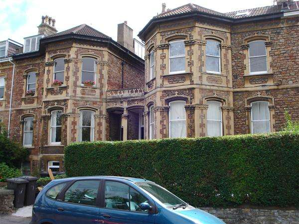 9 Bedrooms Maisonette Flat for rent in upper Maisonette, Meridian Road
