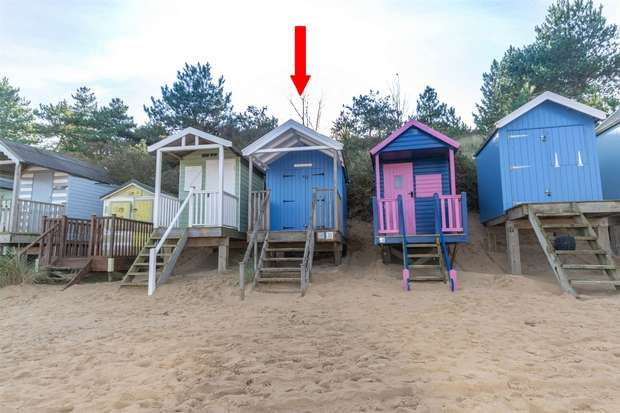 Chalet House for sale in Wells-next-the-Sea
