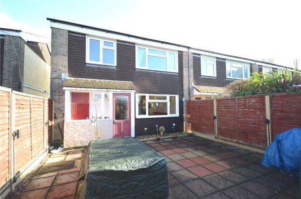 3 Bedrooms End Of Terrace House for sale in Whitchurch Close, Aldershot, Hampshire