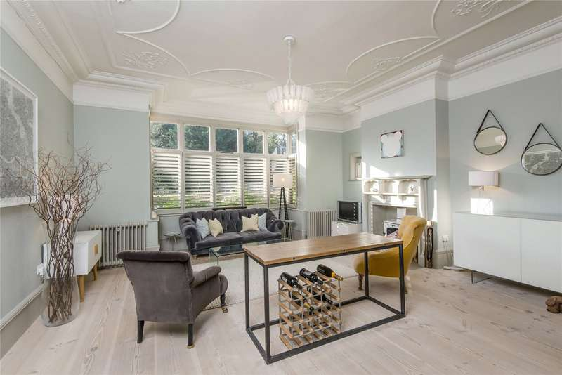 3 Bedrooms Flat for sale in Calonne Road, London, SW19