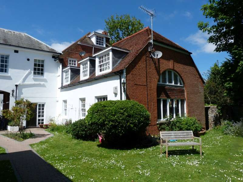 2 Bedrooms Flat for sale in Selwyn Court 62, St. Peters Road, Broadstairs, CT10