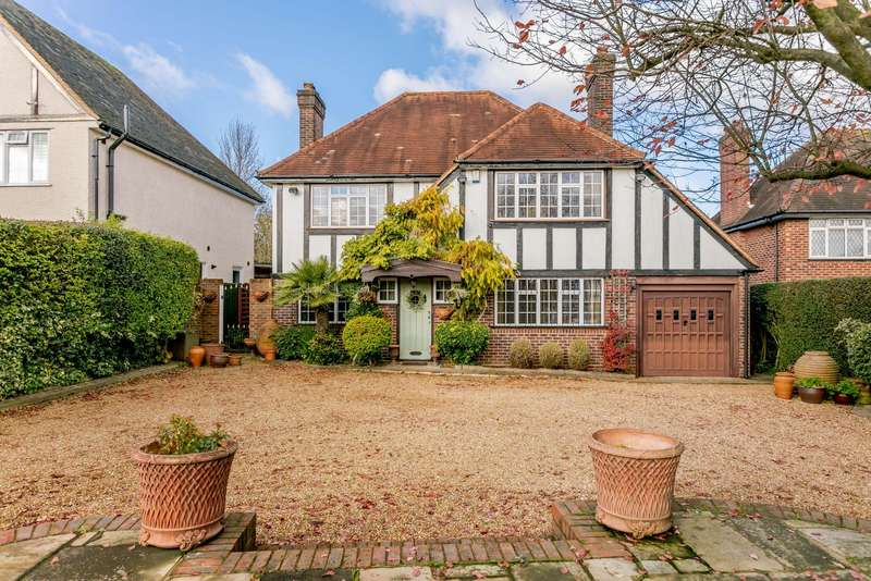 4 Bedrooms Detached House for sale in Fir Tree Road, Epsom, KT17
