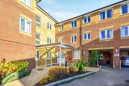 1 Bedroom Retirement Property for sale in Popes Lane, Totton, Southampton