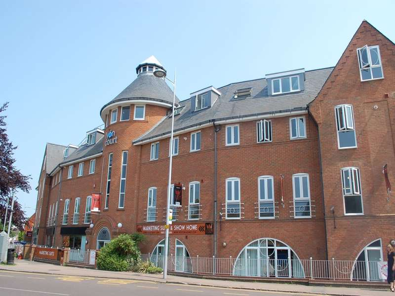 1 Bedroom Flat for rent in Lyon Court, Walsworth Road, HITCHIN, SG4