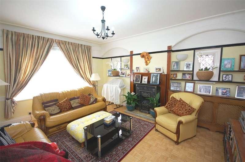 5 Bedrooms Property for sale in Tillingbourne Gardens, Finchley