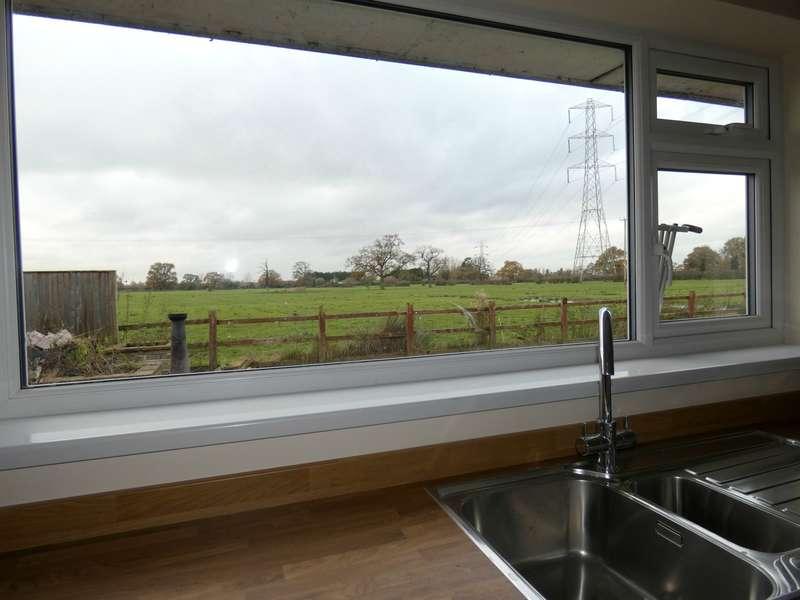 3 Bedrooms Bungalow for rent in Warmingham Road, Crewe