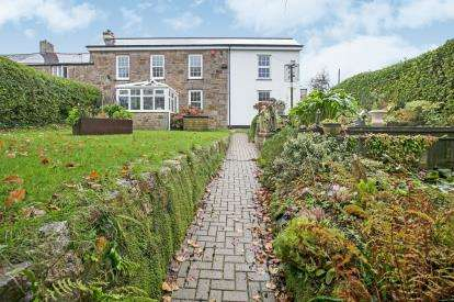 5 Bedrooms End Of Terrace House for sale in Redruth, Cornwall