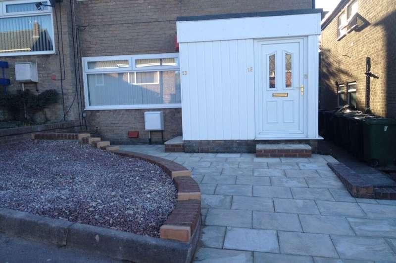 2 Bedrooms Flat for rent in Coalway Lane, Whickham, Newcastle Upon Tyne, NE16