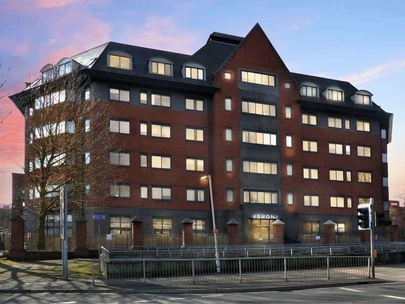 1 Bedroom Property for sale in Verona House, Wellington Street, Slough
