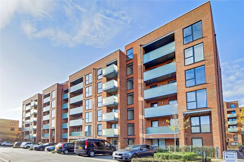 3 Bedrooms Flat for sale in Butterfly Court, Bathurst Square, London