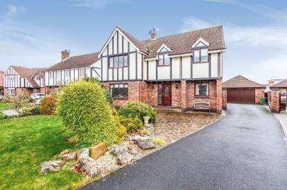 5 Bedrooms Detached House for sale in The Hermitage, Thornton-Cleveleys, Lancashire, ., FY5