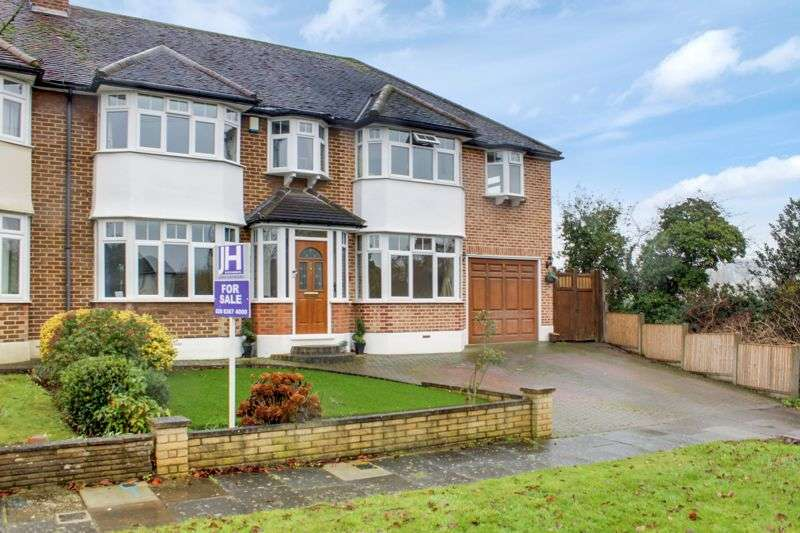 5 Bedrooms Property for sale in Trentwood Side, Enfield