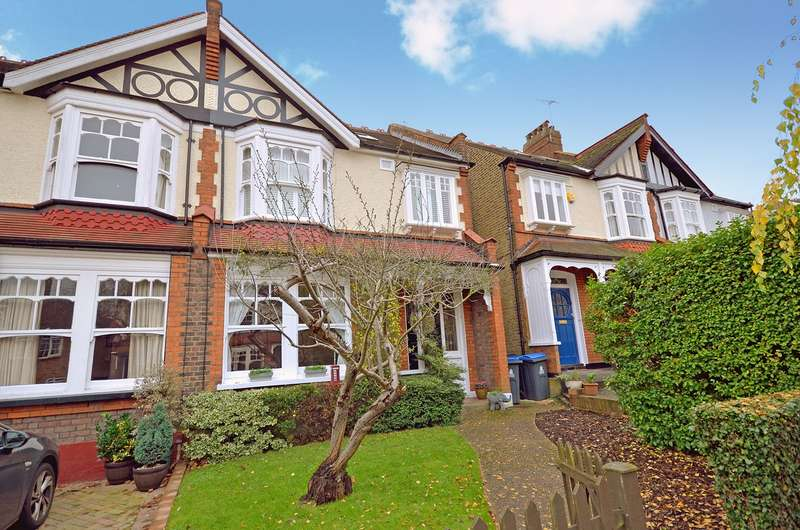 4 Bedrooms Semi Detached House for sale in Hillbrow, New Malden, KT3