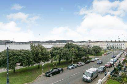 7 Bedrooms End Of Terrace House for sale in North Parade, Llandudno, Conwy, North Wales, LL30
