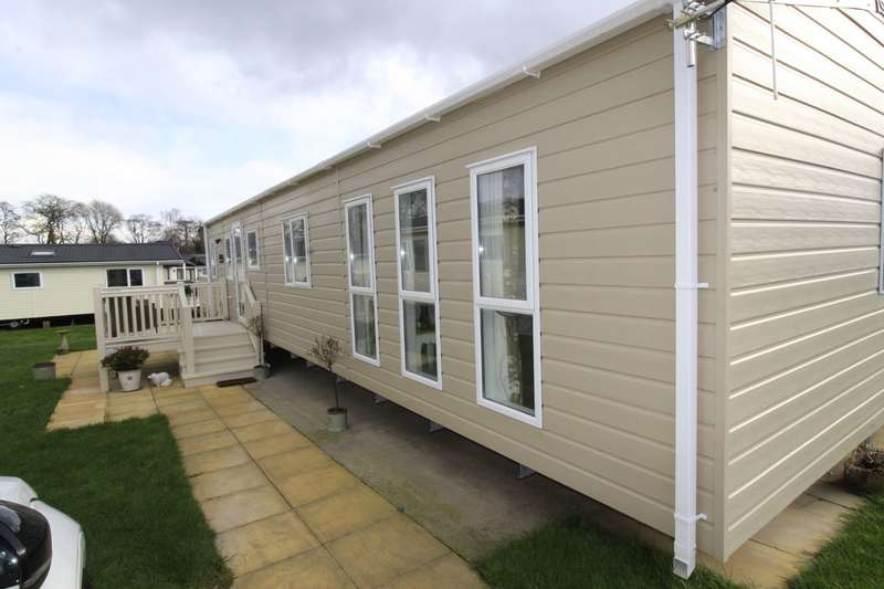 2 Bedrooms Property for sale in Ribble Valley Holiday Park, Paythorne, BB7 4JD