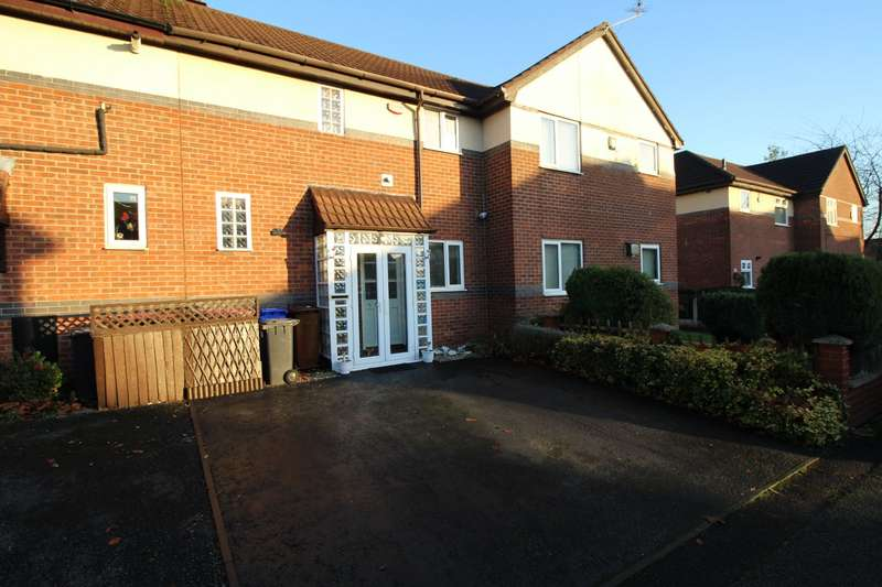 2 Bedrooms House for sale in Woodgrange Close, Salford, Greater Manchester, M6
