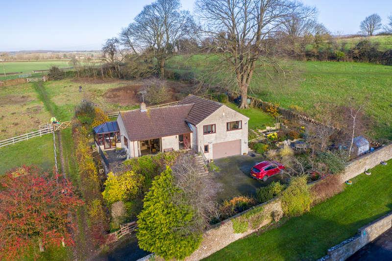 4 Bedrooms Detached House for sale in Locks Lane, Wincanton
