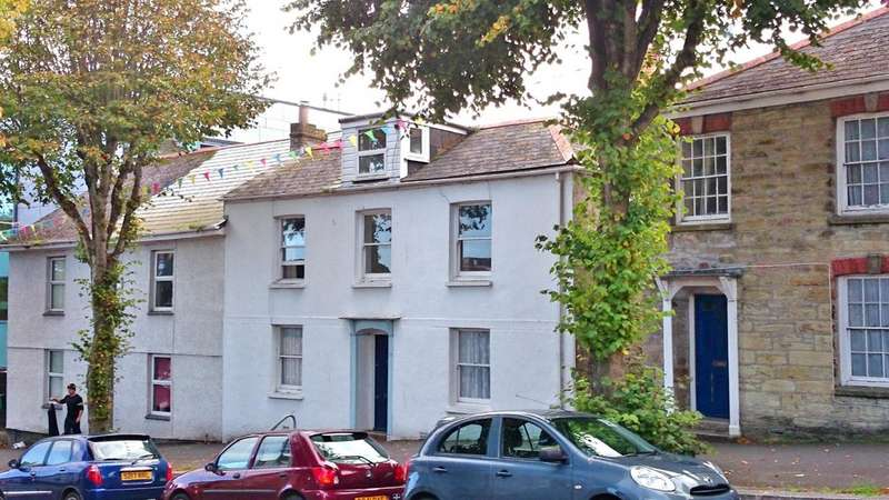 4 Bedrooms Terraced House for rent in Falmouth, Cornwall TR11