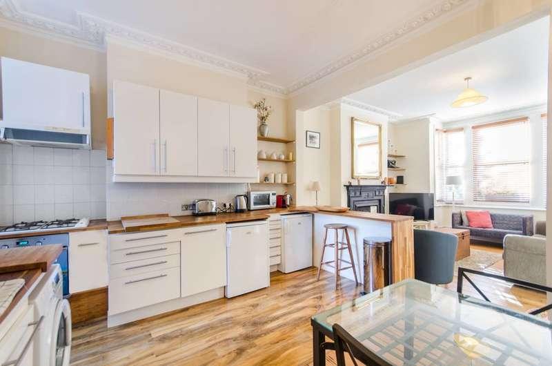 2 Bedrooms Maisonette Flat for rent in Whellock Road, Turnham Green, W4