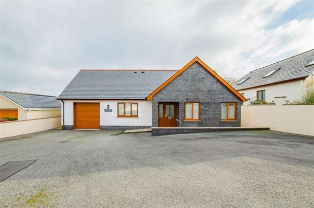 3 Bedrooms Detached Bungalow for sale in Parc Yr Eos, Hermon, Glogue, Pembrokeshire