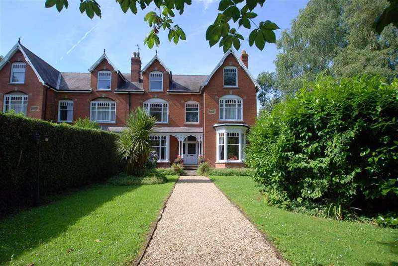 8 Bedrooms Semi Detached House for sale in London Road, Boston