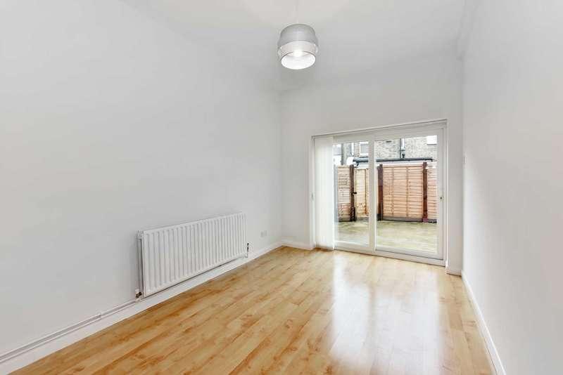 3 Bedrooms Flat for sale in Felix Road, West Ealing