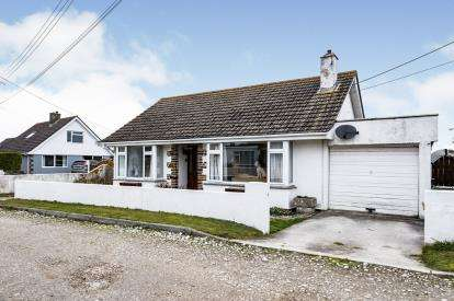 2 Bedrooms Bungalow for sale in St. Merryn, Padstow, Cornwall