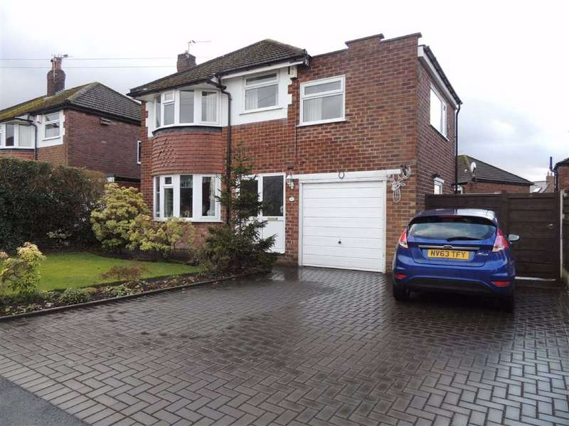4 Bedrooms Detached House for sale in Norbury Drive, Marple, Stockport