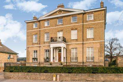 2 Bedrooms Flat for sale in 17 High Street, Chatteris
