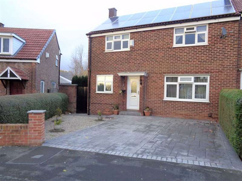 3 Bedrooms Semi Detached House for sale in Foliage Crescent, Stockport