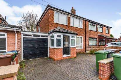 3 Bedrooms Semi Detached House for sale in Taunton Avenue, Ashton Under Lyne, Tameside, Greater Manchester