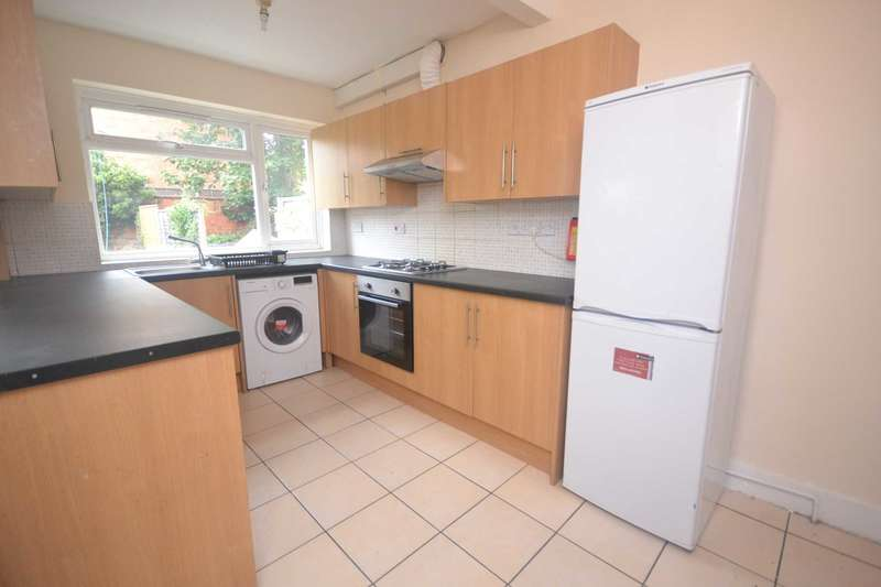 6 Bedrooms Terraced House for rent in Swainstone Road, Reading